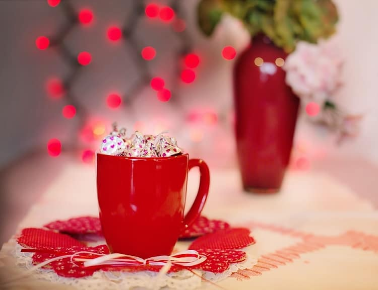 10 Easy Ways To Celebrate Valentine's Day 2017 For Less