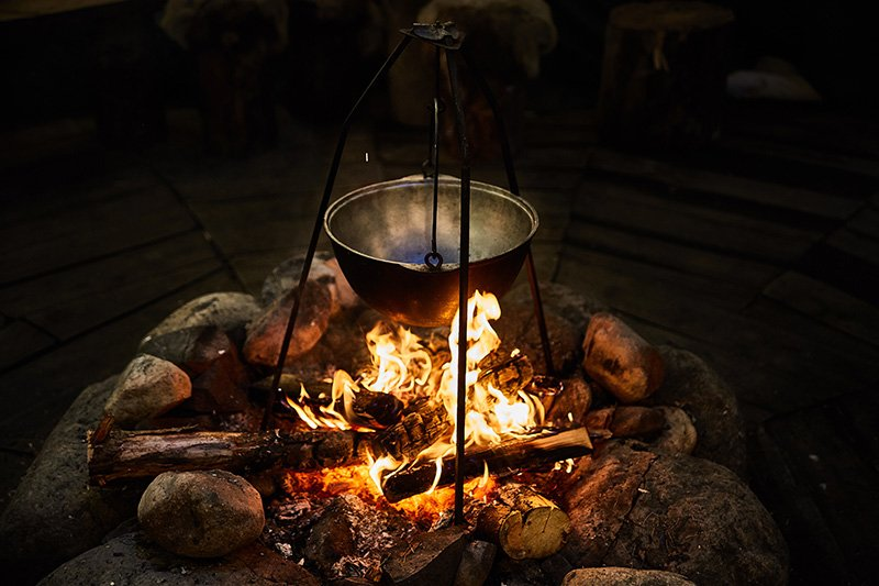 Cooking on open campfire