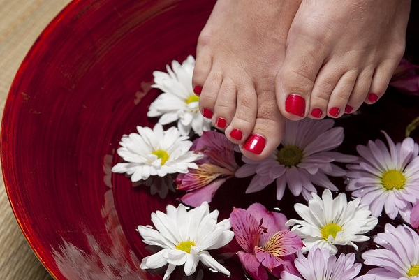 apple cider vinegar uses for feet