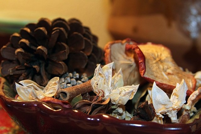 christmas potpourri scents