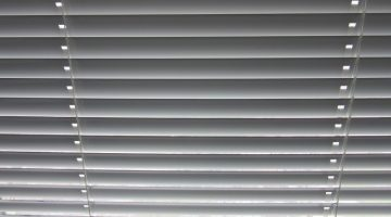 12 Easy Ways To Clean Blinds