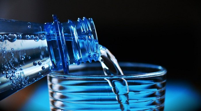 drinking more water is an easy way to prevent heat rashes