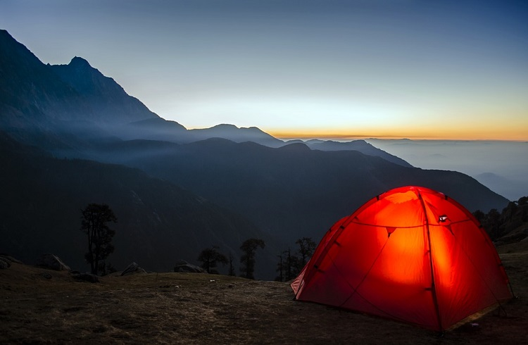 easy tent camping tips for beginners-camp like a pro!