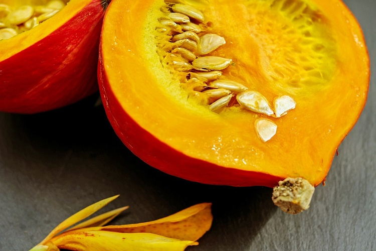 easy ways to eat more pumpkin seeds with recipes