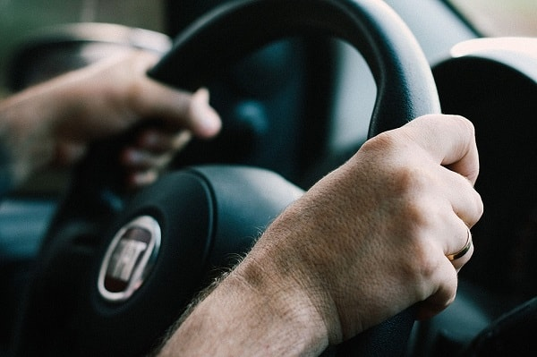 easy ways to save money on car insurance using 15 tips