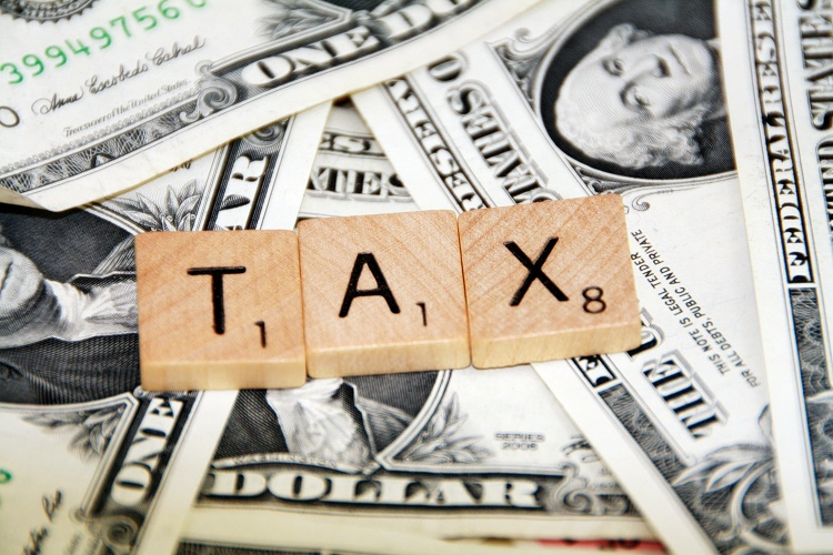 easy ways to save on taxes