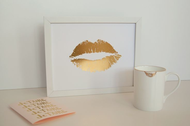 gold foil wall art-easy ways to spruce up your bedroom