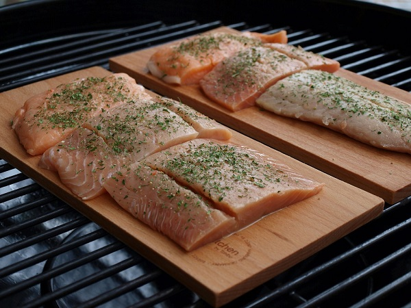how long to bake salmon at 350 F or 400 F