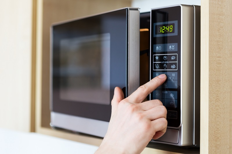 microwave oven to clean makeup brushes
