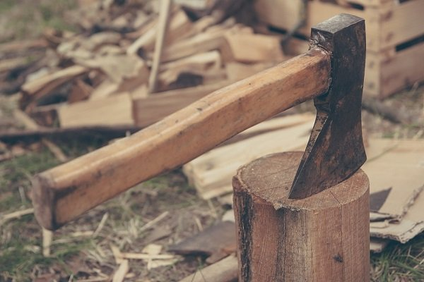 how to split firewood without saw