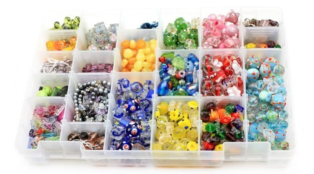 how to store earrings in drawers