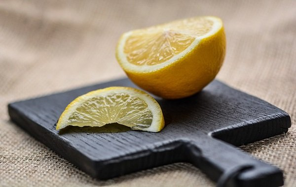 how to use lemons to clean oven