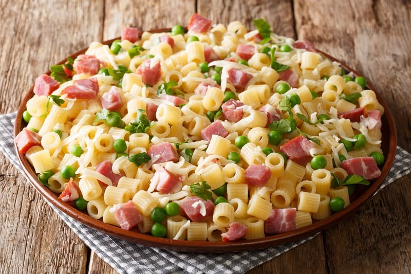 ham and pasta with peas