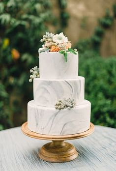 easy ways to decorate cake