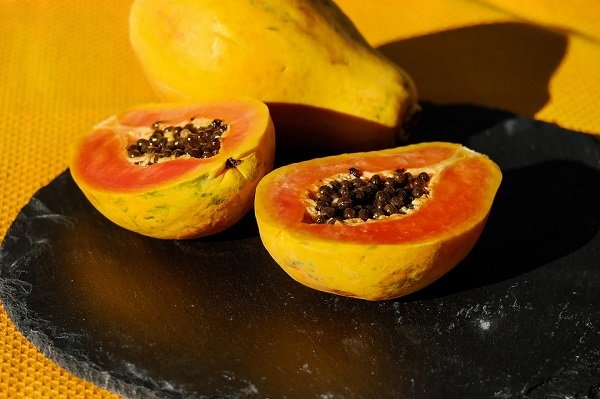 papaya to induce abortion in early stages of pregnancy