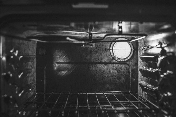 quick and easy ways to clean an oven