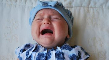 11 Easy Ways to Calm A Crying Baby