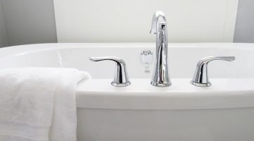 9 Easy Ways To Remove Mold and Mildew from Walls And Bathroom Surfaces