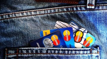 ways-to-prevent-credit-card-frauds-and-scams
