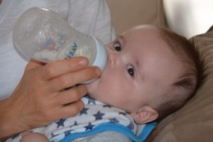 ways to wean off breastfeeding