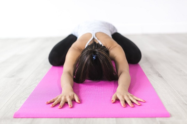 yoga can relieve headaches fast and naturally without medicines