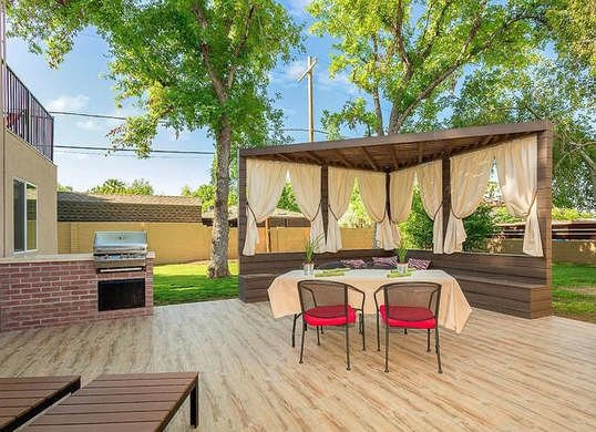 curtains add privacy to backyard inexpensively